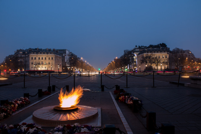 champs élysées elysees arc de triomph paris france evening night fire
