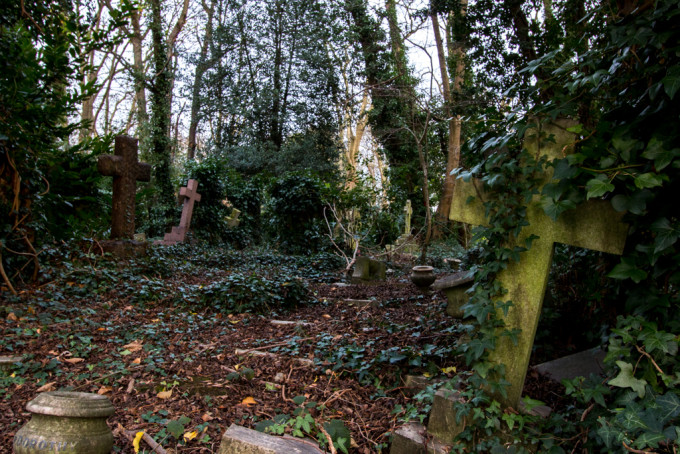 Highgate Cemetery london uk